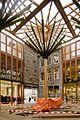 Overzicht pleintje in Mosae Forum met plafondconstructie. Onderdoorgang naar de Hoenderstraat en Muntstraat - Maastricht - 20412550 - RCE.jpg