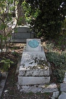 Lapida enel cementerio de Père-Lachaise.
