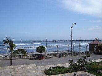 Pacasmayo - Pacasmayo pier seen from shore