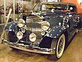 Packard Eight 1001 Victoria Cabriolet von Graber 1933 schräg.JPG