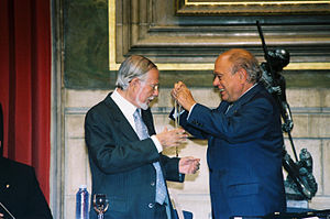 Paco Candel Medalla d'Or.jpg