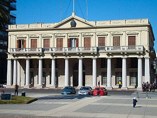 Palacio Estevez Montevideo.jpg