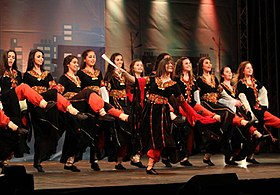 Palestinian girls dancing Dabke