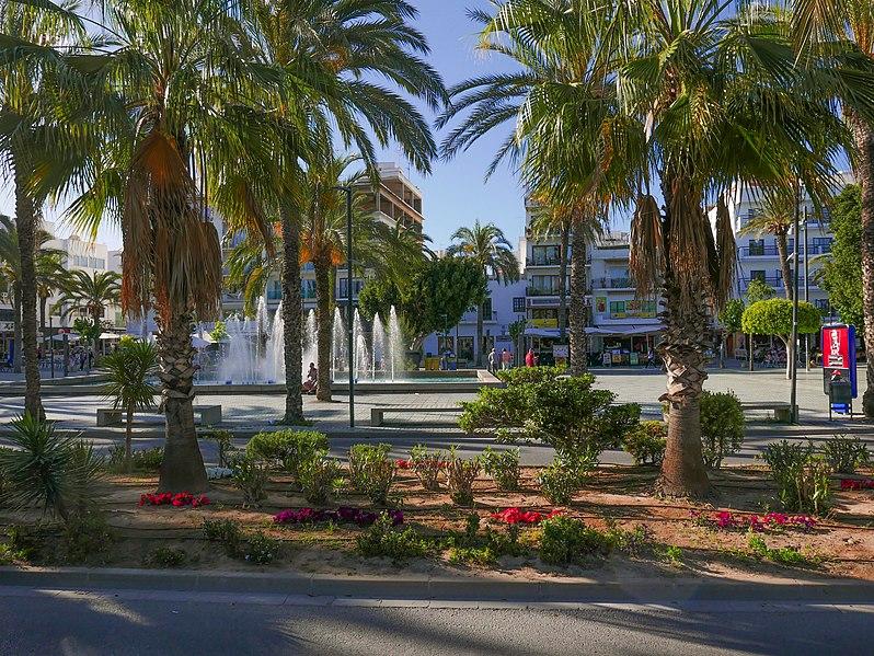 File:PaseoDeSesFonts-inSanAntonioAbad-Ibiza05.2017.JPG