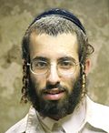 Payot on young Hasid man 01.jpg