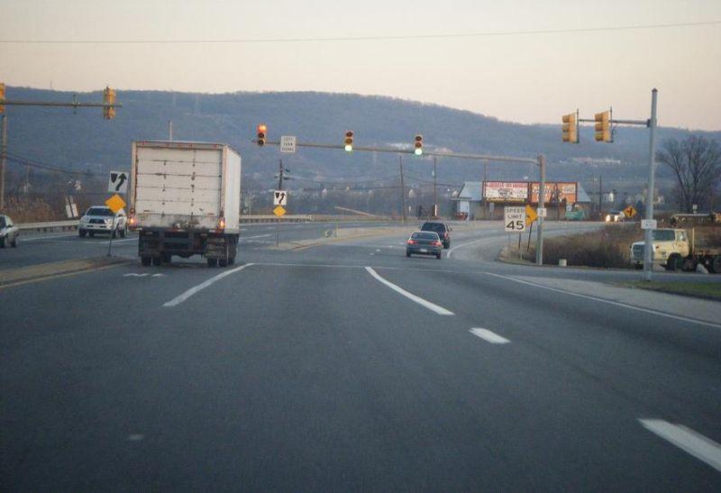 File:Pennsylvania Route 61 SB at PA 73.JPG