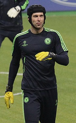 Čech warming up with Chelsea