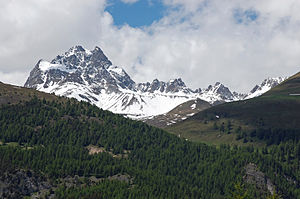 Piz Kesch - View from the Val d'Es-cha (south-east side)