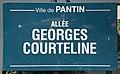 Plaque Allée Georges Courteline - Pantin (FR93) - 2021-04-27 - 1.jpg