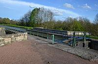 Pont-canal sur le canal du Nivernais pres de Verneuil DSC 0909.JPG