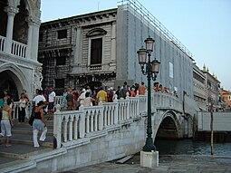 Ponte della Paglia Venedig.jpg