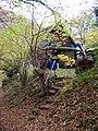 Povltavská stezka, Ztracenka, chata s tabulí Burešova.jpg