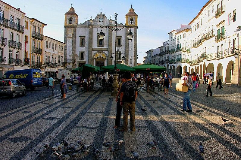 Image:Praca do Giraldo, Evora, Alentejo, Portugal, 28 September 2005.jpg