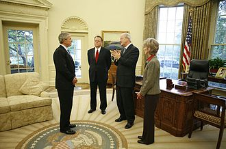 Southern Baptist Convention - US President George W. Bush meets with the leadership of the Southern Baptist Convention in 2006 in the Oval Office at the White House. Pictured with the President are Morris Chapman, left, Frank Page and his wife Dayle Page.