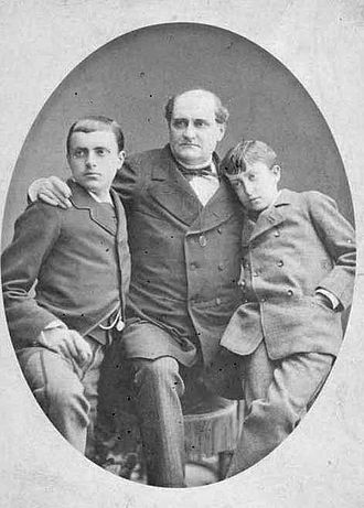 Prince Napoléon Bonaparte - Prince Napoleon with his two sons