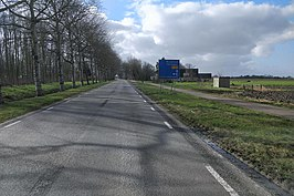 De N393 in Pietersbierum