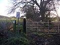 Public footpath to Viewly Grange - geograph.org.uk - 1130361.jpg