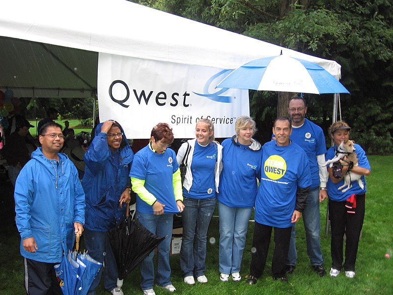 File:Qwest AIDS Walk Team (8891833271).jpg
