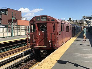 R17 (New York City Subway car) - R17 car 6609 on the Train of Many Colors.