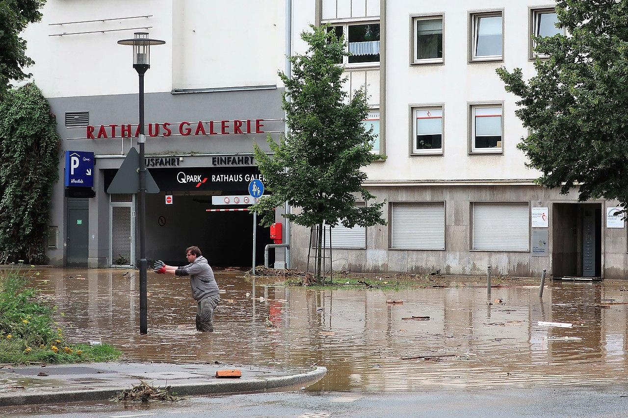 Rathausstraße Hochwasser (2).jpg