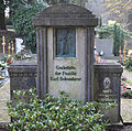 Ravensburg Hauptfriedhof Grabmal Schwaderer.jpg