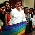 Reunión Histórica entre Representantes activistas LGBTI TILGB GLBTI Silueta X Diane Rodriguez con el Presidente de Ecuador Rafael Correa 11.jpg