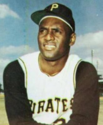 Commissioner's Historic Achievement Award - Image: Roberto Clemente Pittsburgh Pirates 1966