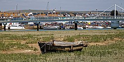 Rotting boat, Shoreham-by-Sea harbour, River Adur, West Sussex, England (cropped)