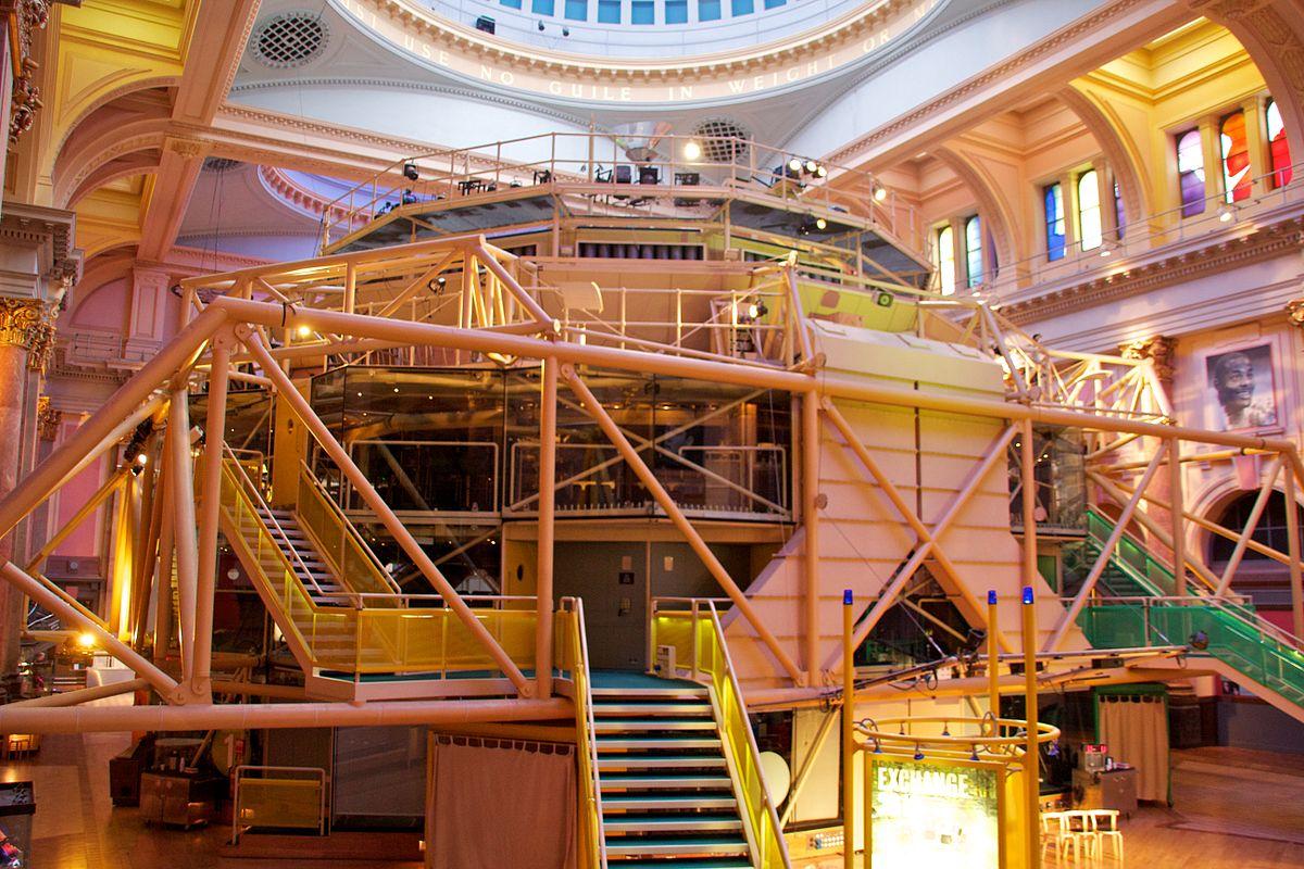 Theatre in the round - Wikipedia