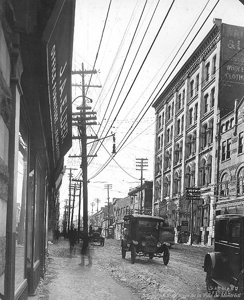 File:Rue Notre-Dame, Montreal, 1924.jpg