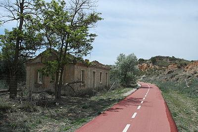 Ruinas antigua estacion de Tajuña, Vía Verde del Tajuña.JPG