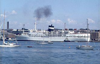 P&O Cruises - Image: SS Uganda Helsinki Harbour 1980s