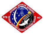 STS-40 (15063236890).jpg