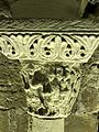 Saint-Denis (93), basilique, crypte, collatéral nord, chapiteau roman 18.jpg