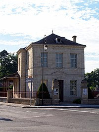 Saint-Michel-de-Rieufret Mairie.jpg
