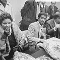 Sammy Davis jr in Nederland, tijdens persconferentie op Schiphol, Sammy Davis , , Bestanddeelnr 916-1963.jpg