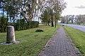 Sandbeiendorf Preussischer Rundsockelstein-02.jpg