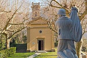 Sant'Anna di Stazzema massacre - The restored village church and World War I memorial in 2008
