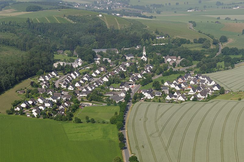 File:Schmallenberg-Wormbach Sauerland Ost 007 pk.jpg