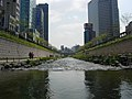 Seoul-Cheonggyecheon-06.jpg