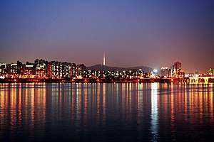 Seoul-Han.River.at.night-01.jpg