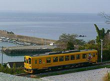 廃止された南目線を有明海に沿いながら走るキハ2500形気動車(2008年)