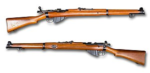 Short Magazine Lee-Enfield Mk 1 (1903) - UK - cal 303 British - Armémuseum noBG.jpg