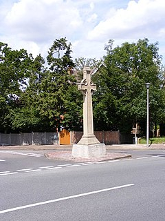 Shortlands Cenotaph - geograph.org.uk - 1426308.jpg