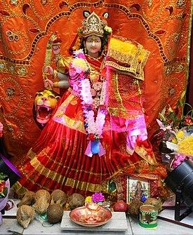 माता दुर्गा की प्रतिमा।