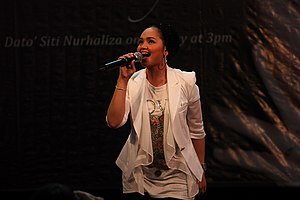 SimplySiti - Siti Nurhaliza performing during SimplySiti promotion tour at The Spring, Kuching on 6 June 2010.