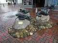 Skulptur Krötenwanderung in Schortens 1.jpg