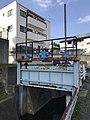 Sluice on Hamaogawa River 2.jpg