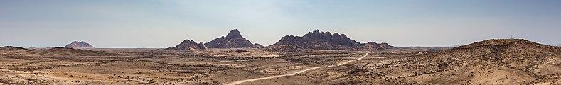 Spitzkoppe, Namibia, 2018-08-04, DD 23-29 PAN.jpg