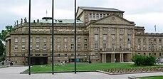 Staatstheater Stuttgart Großes Haus Seitenansicht.jpg